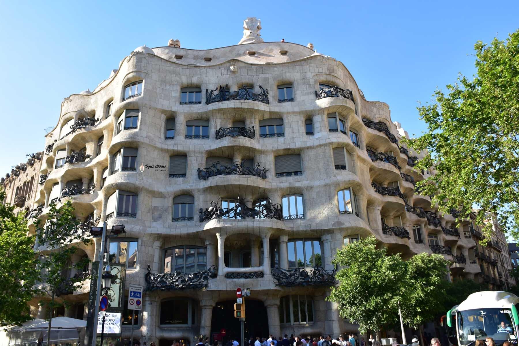Barselona Gezilecek Yerler - Casa Mila