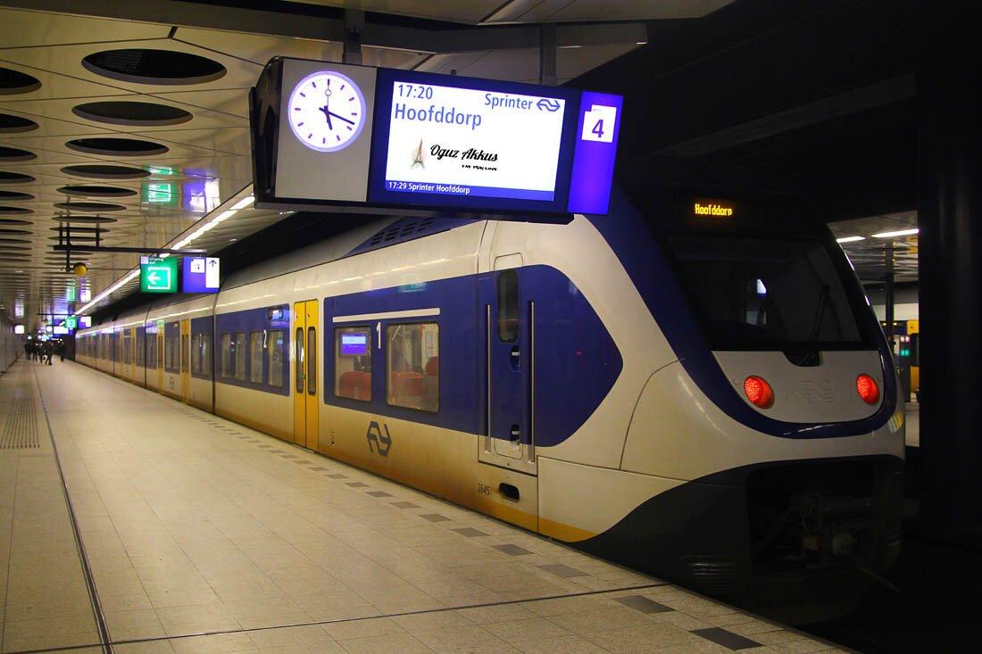 Amsterdam Schiphol Havaalanı'ndan Şehir Merkezine Ulaşım